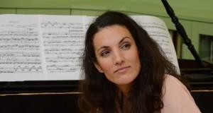 Pijanistica na AZBUCI
